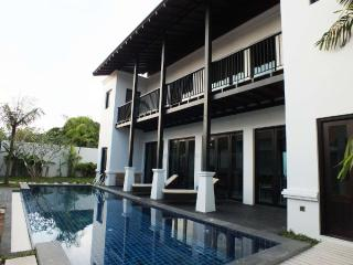 Luxury pool villas Thai modern Style