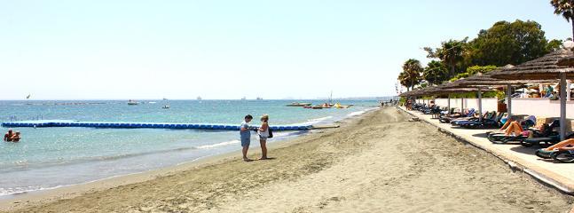 2b Emerald seaview - Miramare beach