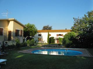 Il Granaio appartamenti con piscina 6 km dal mare, Grosseto
