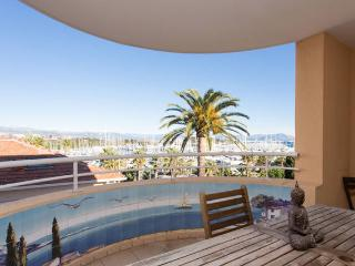 Palais Royale, Excellent Antibes Rental with a Hot Tub and Terrace