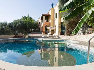 Traditional Apartment Maria near Chania