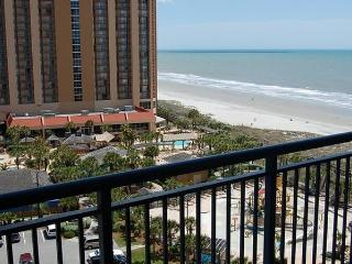 Beautiful 3 Bedroom Condo with a Pool at Brighton Tower by the Beach, Myrtle Beach
