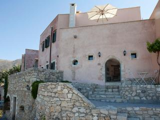 Captain Antonis, Traditional House close to Chania, Kastellos