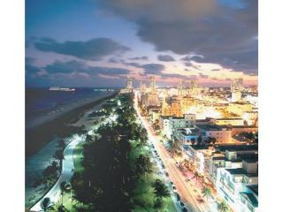 Tropical Breezes in the Heart of Ocean Drive. 1BR! Best Deal! Call Now!, Miami Beach