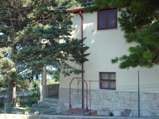 Gargano S.Menaio 4-9 beds 2 bathrooms in big apartment in Villa Matassa