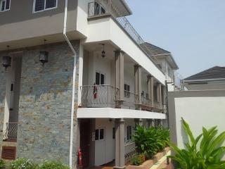Menahem Properties, Accra