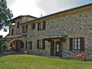 OFFERS Apartments 2-4-6-8 pax with Pool in wonderful Country House