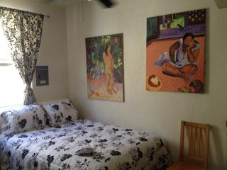 (2) Sunny Downtown Studio Apt in the heart of town, Santa Barbara