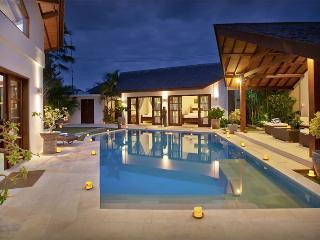 Seminyak 3 bedrooms villa - Special Rate