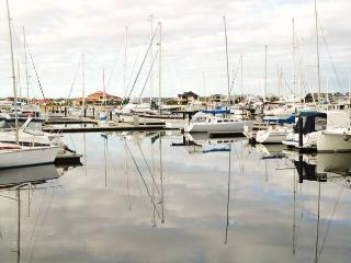 Marina House **Family Entertainer**, Busselton