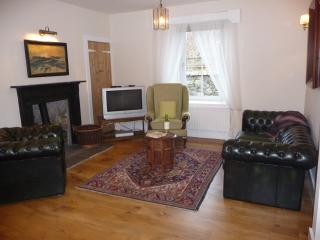 ... and the cosy sitting area