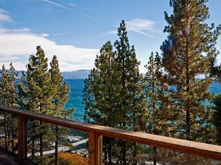 LAKE FRONT Home in Dollar Point with Amazing Views and Buoy - From $500/nt, Tahoe City