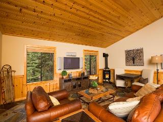 Small yet Sophisticated, and Stunning!!  This Tahoe Donner Home will Impress!