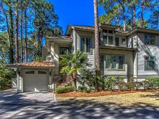 2 Genoa Court - Custom Built 4 Bedroom Home w/ Hot Tub in Harbourtown Area., Hilton Head