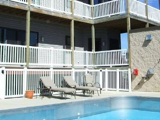 WaterTowne #06 - Weekly rentals only. Stays begin on Fridays, South Haven