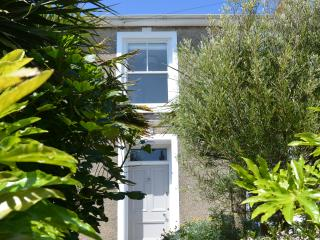 Porth House - A beautiful house with parking, St Ives