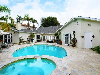 Hollywood Estate with amazing pool!