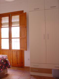 Dormitorio doble, armario.