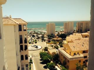 Seaview and well equiped 3 bed aprt in Estepona