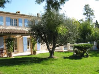 ♥Provencal Villa♥ bordering Cannes, Full AC, Pool house, Quiet, Private Pool,5★