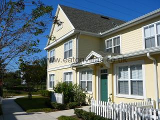 Fabulous Town Home Near Disney with FREE WiFi