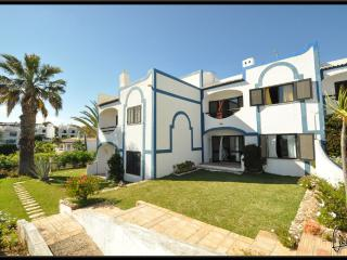 Townhouse 300m from the beach, Armação de Pêra