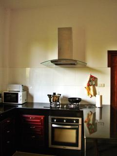 Oven, stove, hood, microwave, toaster, coffee maker