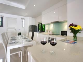 beautiful kitchen and dining facilities