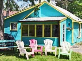 BLUE Deluxe Park Cottage, Harcourt