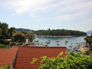 Holiday Apartment - Great location in Tiha Bay!, Cavtat