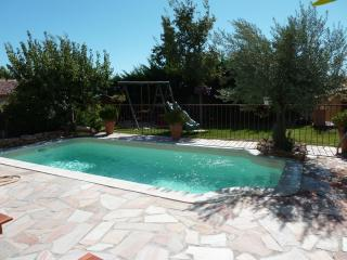 HOUSE IN PROVENCE WITH SWIMMINGPOOL