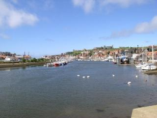 Luxury Harbourside Apartment Parking Good location, Whitby