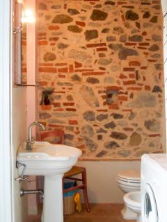 L'Olivo - Villa Unis - Bathroom with washing mashine