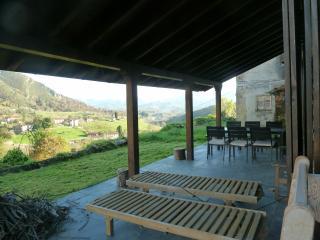 Borines Piloña Asturias; Casa Maruxela