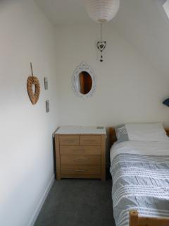 Single bedroom (joins small double room)