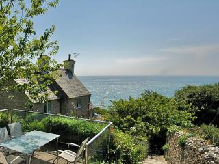 Carmel Seaside Cottage by OceanBlue, Bonchurch