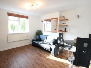 Luxury apartment, Central Headington with Parking