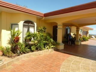 La Casa Amarilla, a Gorgeous Villa near Boquete