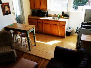 (A) 2 Bdrm Apt in the Heart of SB. Walk everywhere, Santa Barbara
