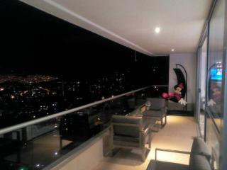 MODERN AND LUXURY 3 BEDROOM PENTHOUSE IN POBLADO, Medellin