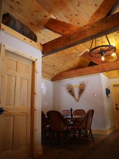 Pine Floor & Ceiling