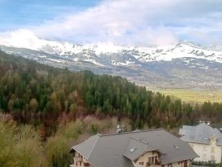 Mountain-view flat near ski slopes, Saint-Gervais-les-Bains