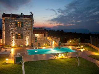 Villa Antina, Vamos