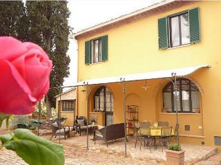 SIENA,villa,pool,tennis,relax,near Piazza IL CAMPO