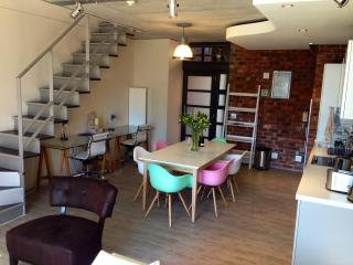 Stylish Duplex 1br apt, De Waterkant, Cape Town