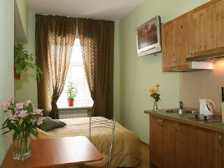 Studio with wifi on Nevsky for 2 people