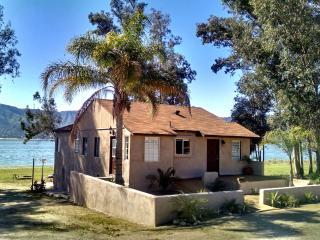 Lake House living - Right on the water. Enjoy the Tiki Lake House