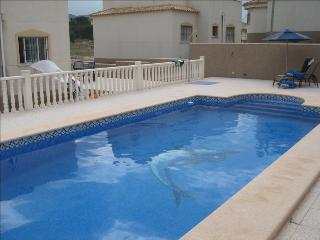 Luxury 4 bedroom villa with pool, Castalla
