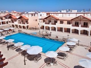 Penthouse apartment 2 km from beach, Tersefanou