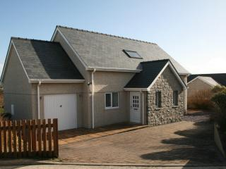 Modern holiday home by the sea., Aberdaron